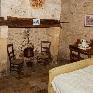 La chambre 3 et sa cheminée